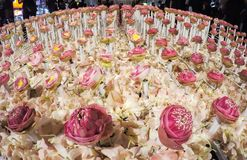 在`花的美好的花的布置父亲`活动的为了知道陛下国王普密蓬・阿杜德在朴Kl 图库摄影