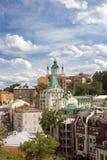 在巴落克式样的著名圣安德鲁` s教会视图Rastrelli,基辅,乌克兰 图库摄影