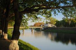 在主要河上的桥的看法Uzh 库存图片