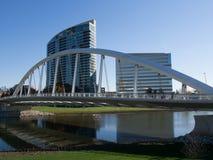 在主要St桥梁后的Mianova 免版税库存照片