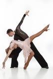 在活跃舞厅舞的美好的夫妇 免版税库存照片