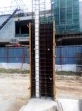 在建造场所的专栏模板在马来西亚 免版税库存图片