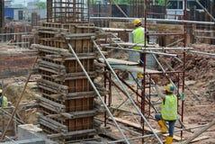 在建造场所的专栏模板在马来西亚 免版税图库摄影