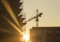 在建造场所的起重机 免版税库存照片
