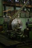 在建造机器的植物的圆的workpice 库存照片