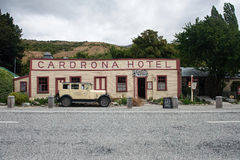 在1863建造的历史的Cardrona旅馆在Wanaka附近,新西兰镇  库存图片