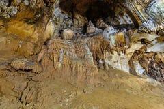 在洞里面的钟乳石 免版税图库摄影