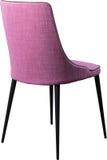 在黑金属腿的设计师紫罗兰色用餐的椅子 在白色背景隔绝的现代软的椅子 免版税库存照片