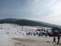 在滑雪胜地的小倾斜 库存照片