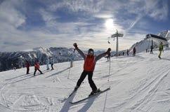 在滑雪胜地的旅游假期 班斯科 建造者 图库摄影