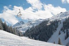 在Montafon谷的滑雪吊车 库存图片
