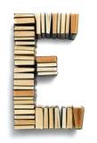 在从页结尾形成的E上写字的书 库存图片