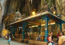 在黑风洞里面的印度寺庙在吉隆坡,马来西亚 库存图片