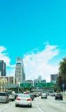 在110高速公路的交通在洛杉矶 免版税库存图片