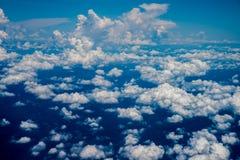 在从鸟瞰图的云彩 免版税图库摄影