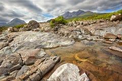 在黑Cuillin土坎, Skye,苏格兰小岛的看法  免版税图库摄影