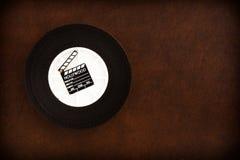 在35 mm影片轴的一点电影拍板 免版税图库摄影
