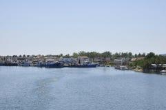在从Thassos海岛的Limenas镇端起看法在希腊 免版税图库摄影