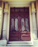 在Abdeen宫殿里面的一个门 免版税库存图片
