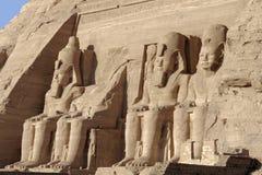在Abu Simbel寺庙的雕象 免版税图库摄影