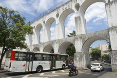 在Acos da Lapa的交通成拱形里约 库存图片