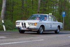 1966在ADAC符腾堡历史的Rallye的BMW 2000年电缆敷设船2013年 免版税图库摄影