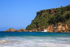 在Aguadilla,波多黎各的冲浪者海滩 免版税图库摄影