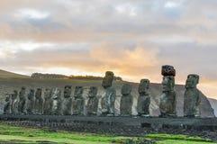 在Ahu Tongariki的日出在复活节岛,智利 免版税库存图片