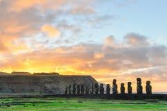 在Ahu Tongariki的日出在复活节岛,智利 免版税库存照片
