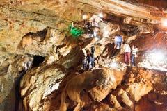 在Ai陪替氏高原的Yaltinskaya洞在克里米亚 图库摄影