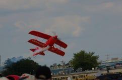 在airshow的双翼飞机 免版税图库摄影