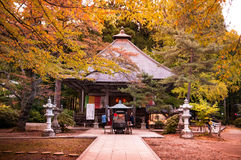在Akiu瀑布的Akiu寺庙在Akiu乌森,仙台,日本 免版税图库摄影