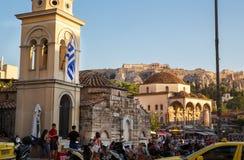 在Akropolis的看法从蒙纳斯提拉奇广场和城市雅典 免版税图库摄影