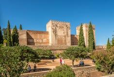 在Alcozaba堡垒的看法在格拉纳达的阿尔罕布拉宫中心在西班牙 库存照片