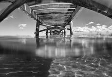 在alcudia海滩的木码头 库存图片
