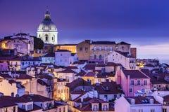 在Alfama的里斯本,葡萄牙地平线 库存照片