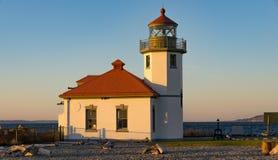 在Alki点的灯塔在西部西雅图 免版税库存图片