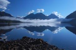 在Alouette湖3的早晨薄雾 库存图片