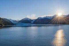 在Amalia冰川,伯纳多O `希金斯国家公园,南部的巴塔哥尼亚,智利的日出 库存照片