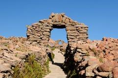 在Amantani海岛,秘鲁上的古老废墟 免版税库存照片
