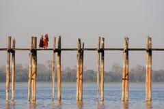 在Amarapura的U Bein桥梁在缅甸 库存照片