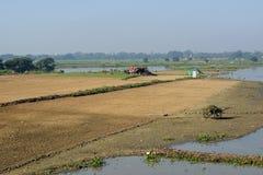 在Amarapura附近的Taungthaman湖,缅甸 库存照片