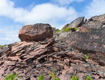 在Ametist海滩的大石头 库存图片