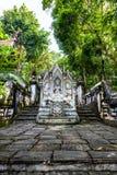 在Analyo Thipayaram寺庙的泰国样式天使雕象 免版税库存图片