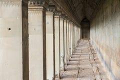 在Angkor Wat的古老走廊 库存图片