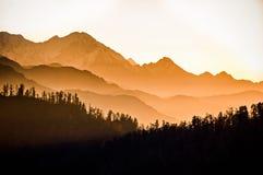 在Annapurnas的壮观的黎明从Poon小山,尼泊尔 库存图片