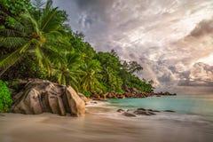 在anse乔其纱, praslin,塞舌尔群岛12的天堂海滩 库存图片