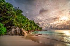 在anse乔其纱, praslin,塞舌尔群岛13的天堂海滩 图库摄影
