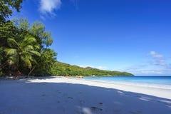 在anse拉齐奥, praslin,塞舌尔群岛17的惊人的天堂海滩 图库摄影