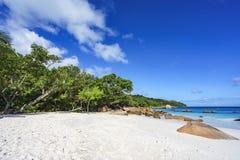 在anse拉齐奥, praslin,塞舌尔群岛72的惊人的天堂海滩 免版税图库摄影
